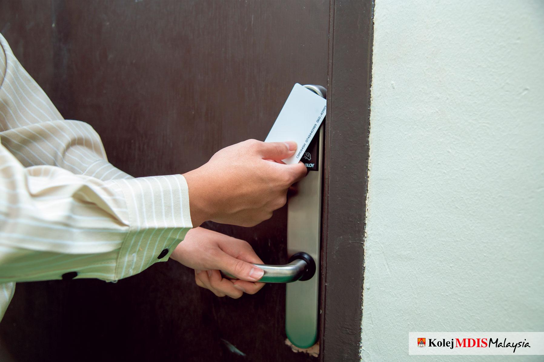Door Knob (Keycard System)